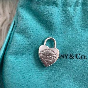 Tiffany&co heart lock charm open& close